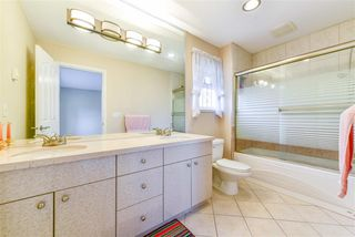 Photo 7: 8620 DEMOREST Drive in Richmond: Saunders House for sale : MLS®# R2326577
