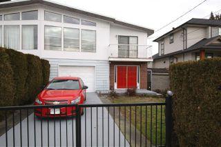 "Main Photo: 825 PRAIRIE Avenue in Port Coquitlam: Lincoln Park PQ House 1/2 Duplex for sale in ""BIRCHLAND/LINCOLN PARK"" : MLS®# R2337956"