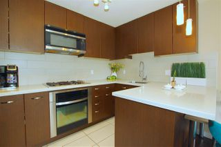 "Photo 5: 1703 2982 BURLINGTON Drive in Coquitlam: North Coquitlam Condo for sale in ""EDGEMONT"" : MLS®# R2353251"