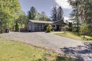 "Photo 2: 41852 GOVERNMENT Road in Squamish: Brackendale House for sale in ""Brackendale"" : MLS®# R2368002"
