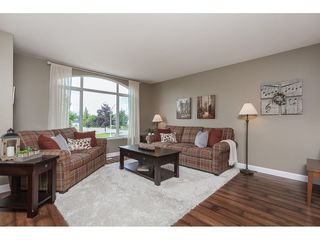 Photo 8: 21526 50 Avenue in Langley: Murrayville House for sale : MLS®# R2372598