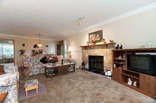 Photo 6: 23426 Dewdney Trunk Road in Maple Ridge: Home for sale : MLS®# V902328