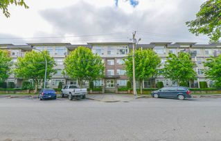 """Main Photo: 105 46150 BOLE Avenue in Chilliwack: Chilliwack N Yale-Well Condo for sale in """"THE NEWMARK"""" : MLS®# R2382418"""