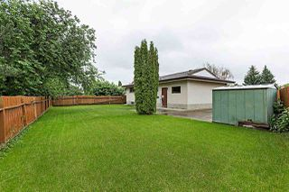 Photo 2: 10810 168 Avenue in Edmonton: Zone 27 House for sale : MLS®# E4163174