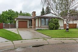 Main Photo: 10810 168 Avenue in Edmonton: Zone 27 House for sale : MLS®# E4163174