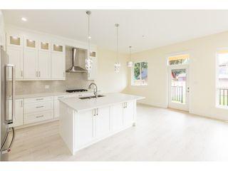 Photo 6: 19368 120 B Avenue in Pitt Meadows: Central Meadows House 1/2 Duplex for sale : MLS®# R2386650