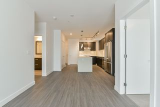 Photo 10: 307 5638 201A Street in Langley: Langley City Condo for sale : MLS®# R2387324
