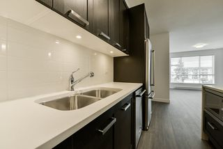 Photo 5: 307 5638 201A Street in Langley: Langley City Condo for sale : MLS®# R2387324
