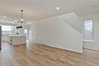 Photo 4: 11335 122 ST NW in Edmonton: Zone 07 House Half Duplex for sale : MLS®# E4156296