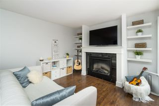 Photo 3: 2 313 HIGHLAND Way in Port Moody: North Shore Pt Moody Townhouse for sale : MLS®# R2396409