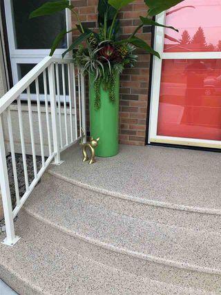 Photo 4: 8208 187 Street in Edmonton: Zone 20 House for sale : MLS®# E4184183