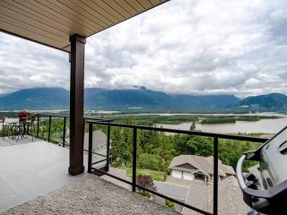 "Photo 14: 13 43540 ALAMEDA Drive in Chilliwack: Chilliwack Mountain Townhouse for sale in ""Retriever Ridge"" : MLS®# R2457151"
