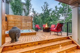 Photo 5: 30 ASCOT Crescent SW in Calgary: Aspen Woods Detached for sale : MLS®# A1009577