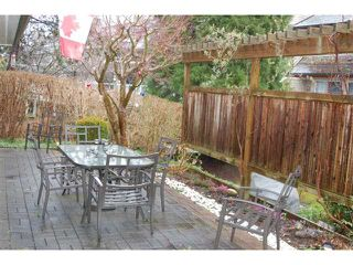 Photo 10: 3977 CREEKSIDE Place in Burnaby: Burnaby Hospital Townhouse for sale (Burnaby South)  : MLS®# V880173