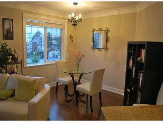 Photo 3: 208 15357 ROPER Avenue: White Rock Condo for sale (South Surrey White Rock)  : MLS®# F1401685