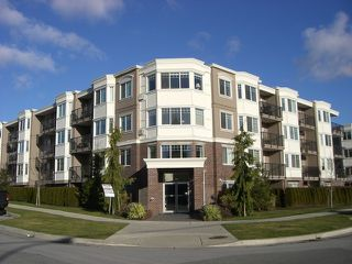 Photo 1: 208 15357 ROPER Avenue: White Rock Condo for sale (South Surrey White Rock)  : MLS®# F1401685