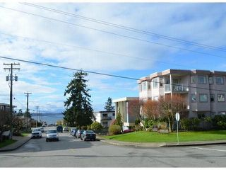 "Photo 12: 2 1291 FOSTER Street: White Rock Condo for sale in ""WHITE ROCK"" (South Surrey White Rock)  : MLS®# F1407509"