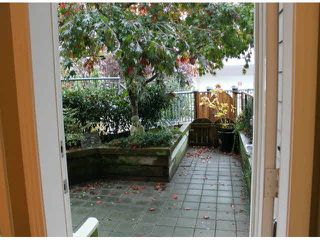 "Photo 4: 104 15154 ROPER Avenue: White Rock Condo for sale in ""SAND DOLLAR"" (South Surrey White Rock)  : MLS®# F1425416"