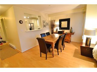 "Photo 6: 222 2545 W BROADWAY in Vancouver: Kitsilano Townhouse for sale in ""TRAFALGAR MEWS"" (Vancouver West)  : MLS®# V1097981"