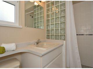 "Photo 15: 15471 ROPER Avenue: White Rock House for sale in ""White Rock"" (South Surrey White Rock)  : MLS®# F1429499"