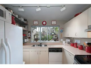 "Photo 12: 304 1465 COMOX Street in Vancouver: West End VW Condo for sale in ""Brighton Court"" (Vancouver West)  : MLS®# V1122493"