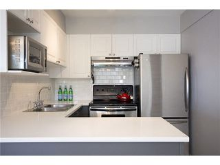 """Photo 5: 302 1562 W 5TH Avenue in Vancouver: False Creek Condo for sale in """"GRYPHON COURT"""" (Vancouver West)  : MLS®# V1122765"""