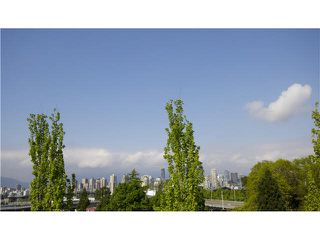 """Photo 12: 302 1562 W 5TH Avenue in Vancouver: False Creek Condo for sale in """"GRYPHON COURT"""" (Vancouver West)  : MLS®# V1122765"""