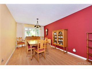 Photo 10: 4806 Sunnygrove Place in VICTORIA: SE Sunnymead Single Family Detached for sale (Saanich East)  : MLS®# 363860