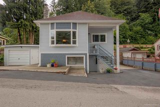 Photo 2: 2719 JANE Street in Port Moody: Port Moody Centre House for sale : MLS®# R2087861