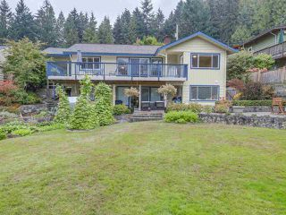"Main Photo: 907 PROSPECT Avenue in North Vancouver: Canyon Heights NV House for sale in ""Canyon Heights"" : MLS®# R2107669"