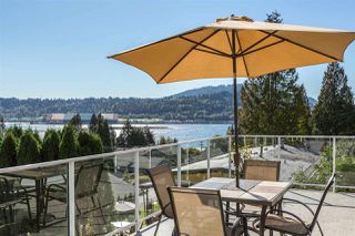 Photo 1: 640 FORESTHILL Place in Port Moody: North Shore Pt Moody House for sale : MLS®# R2114277