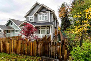 Photo 2: 1969 E 5TH Avenue in Vancouver: Victoria VE House 1/2 Duplex for sale (Vancouver East)  : MLS®# R2119923