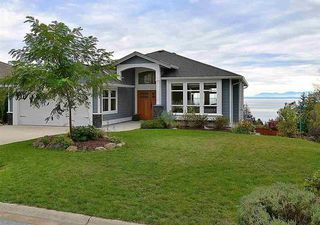 Main Photo: 6395 PICADILLY Place in Sechelt: Sechelt District House for sale (Sunshine Coast)  : MLS®# R2141559