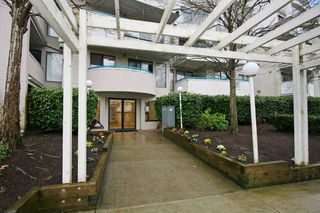 """Photo 2: 101 20268 54 Avenue in Langley: Langley City Condo for sale in """"BRIGHTON PLACE"""" : MLS®# R2147886"""