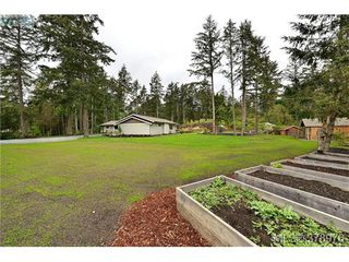 Photo 18: 354 Conway Road in VICTORIA: SW Interurban Single Family Detached for sale (Saanich West)  : MLS®# 378976
