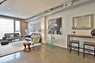 Photo 2: 670 Richmond St W Unit #204 in Toronto: Niagara Condo for sale (Toronto C01)  : MLS®# C3819449