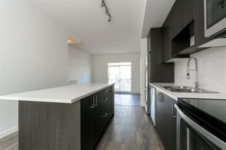 "Photo 4: 130 8130 136A Street in Surrey: Bear Creek Green Timbers Townhouse for sale in ""KINGS LANDING"" : MLS®# R2181571"