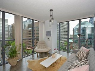 Photo 2: 110 Charles St E Unit #1108 in Toronto: Church-Yonge Corridor Condo for sale (Toronto C08)  : MLS®# C3881887