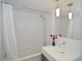 Photo 11: 110 Charles St E Unit #1108 in Toronto: Church-Yonge Corridor Condo for sale (Toronto C08)  : MLS®# C3881887