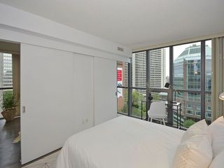 Photo 9: 110 Charles St E Unit #1108 in Toronto: Church-Yonge Corridor Condo for sale (Toronto C08)  : MLS®# C3881887