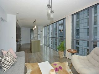 Photo 4: 110 Charles St E Unit #1108 in Toronto: Church-Yonge Corridor Condo for sale (Toronto C08)  : MLS®# C3881887