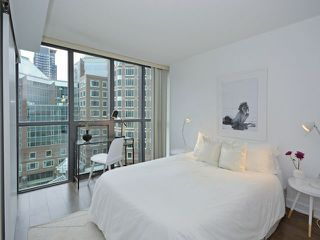 Photo 8: 110 Charles St E Unit #1108 in Toronto: Church-Yonge Corridor Condo for sale (Toronto C08)  : MLS®# C3881887