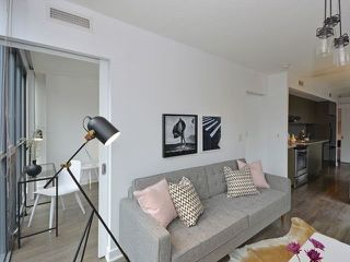 Photo 5: 110 Charles St E Unit #1108 in Toronto: Church-Yonge Corridor Condo for sale (Toronto C08)  : MLS®# C3881887