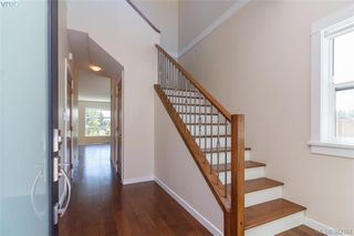 Photo 3: 22 4009 Cedar Hill Road in VICTORIA: SE Gordon Head Townhouse for sale (Saanich East)  : MLS®# 382351