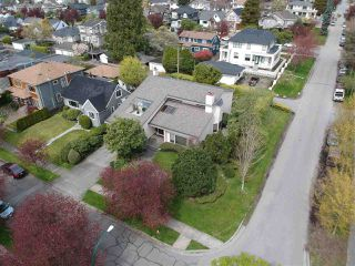 Photo 2: 1623 W 59TH Avenue in Vancouver: South Granville House for sale (Vancouver West)  : MLS®# R2260307
