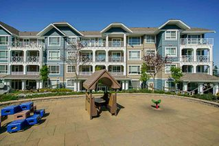"""Photo 15: 214 16380 64 Avenue in Surrey: Cloverdale BC Condo for sale in """"THE RIDGE AT BOSE FARMS"""" (Cloverdale)  : MLS®# R2262780"""
