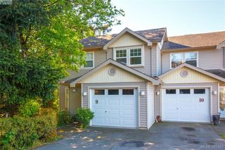 Photo 1: 9 2563 Millstream Rd in VICTORIA: La Mill Hill Row/Townhouse for sale (Langford)  : MLS®# 786813