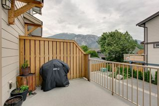 "Photo 10: 9 1188 WILSON Crescent in Squamish: Dentville Townhouse for sale in ""The Current"" : MLS®# R2269962"