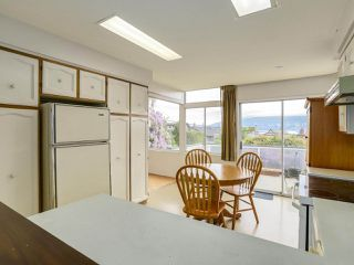 Photo 11: 3749 W 14TH Avenue in Vancouver: Point Grey House for sale (Vancouver West)  : MLS®# R2273913