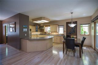 Photo 2: 752 Charleswood Road in Winnipeg: Residential for sale (1G)  : MLS®# 1817493